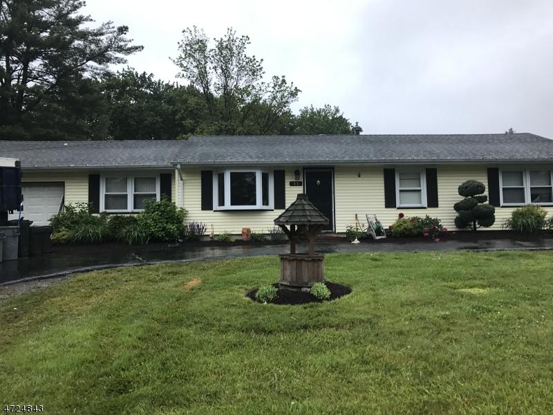 独户住宅 为 销售 在 11 Farview 西米尔福德, 新泽西州 07480 美国