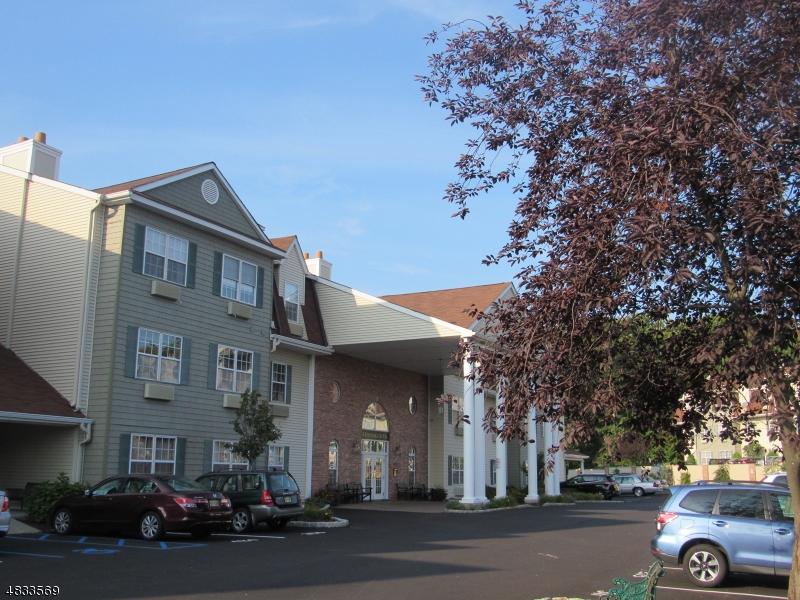 公寓 / 联排别墅 为 销售 在 7216 RICHMOND Road 西米尔福德, 新泽西州 07480 美国