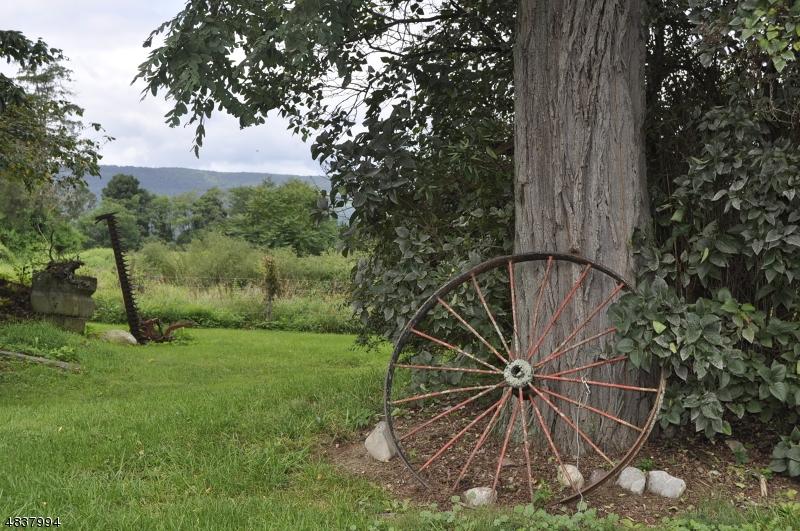 獨棟家庭住宅 為 出售 在 154 CEDAR LAKE Road Blairstown, 新澤西州 07825 美國