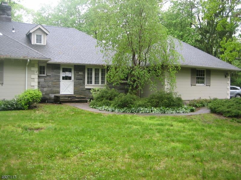 Casa Unifamiliar por un Venta en 30 PEPPERIDGE TREE TER Kinnelon, Nueva Jersey 07405 Estados Unidos