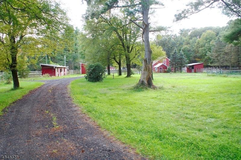 独户住宅 为 销售 在 36 OXBOW Lane 西米尔福德, 新泽西州 07435 美国
