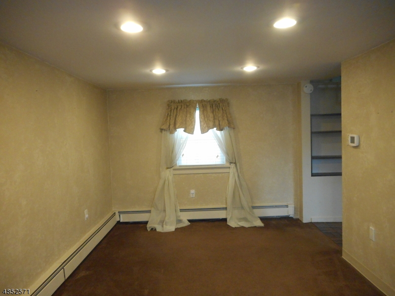 Additional photo for property listing at 22 WILLIAM Street  Mine Hill, New Jersey 07803 États-Unis