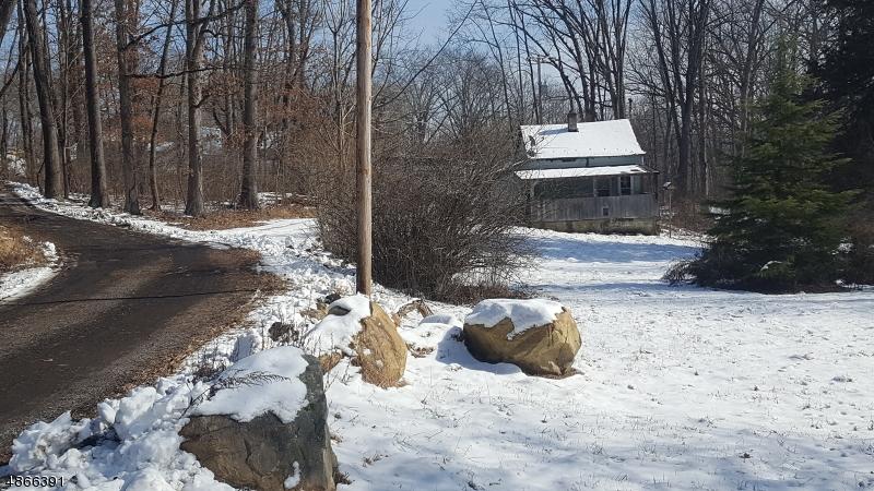 Property för Försäljning vid 17 SPRINGTOWN Road Washington, New Jersey 07882 Förenta staterna