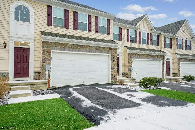 Condo / Radhus för Försäljning vid 19 WASHINGTON SQUARE Circle Washington, New Jersey 07882 Förenta staterna