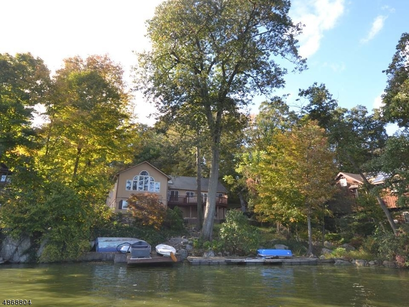 Additional photo for property listing at 2114 LAKESIDE DR West  Vernon, New Jersey 07462 United States