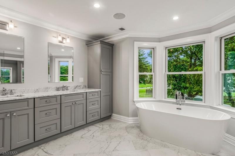 Additional photo for property listing at  Scotch Plains, New Jersey 07076 Stati Uniti