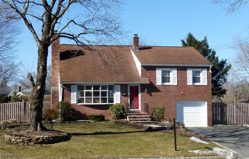 Maison unifamiliale pour l Vente à 9 Alan Lane Mine Hill, New Jersey 07803 États-Unis