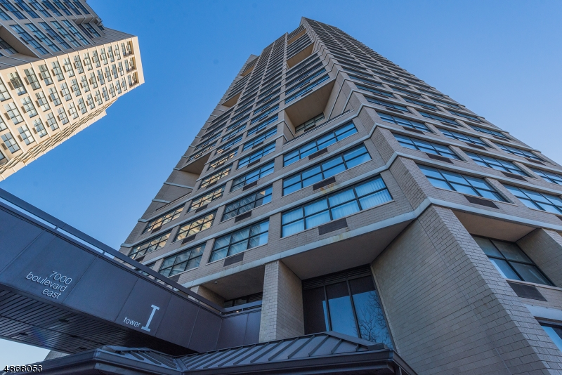 Condo / Townhouse للـ Sale في Guttenberg, New Jersey 07055 United States