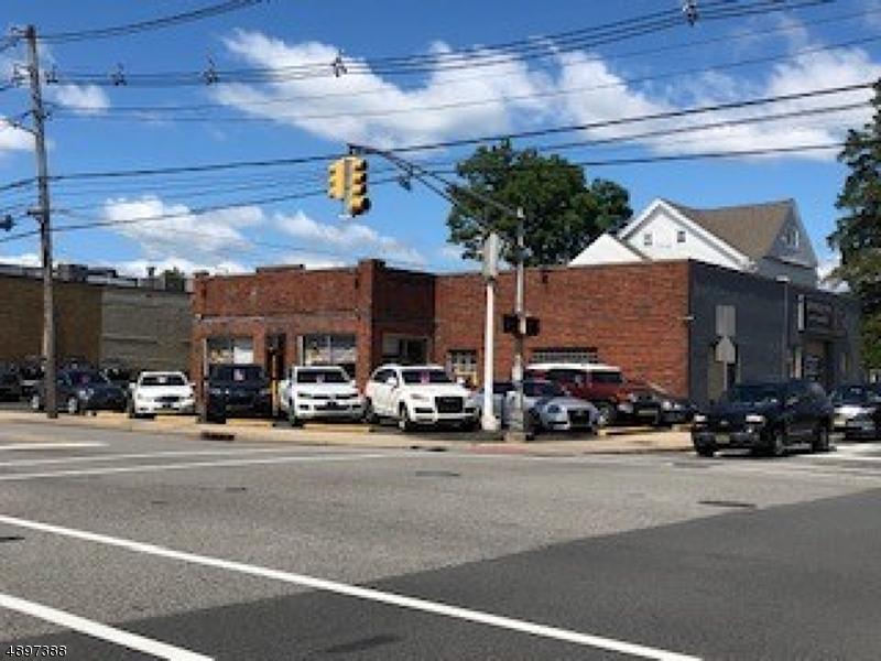 Commercial pour l Vente à Clifton, New Jersey 07013 États-Unis