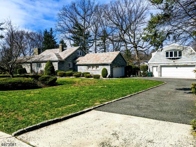 Single Family Homes vì Bán tại South Orange, New Jersey 07079 Hoa Kỳ