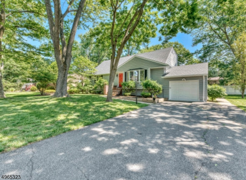 Property для того Продажа на Norwood, Нью-Джерси 07648 Соединенные Штаты