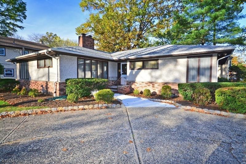 Multi-Family Homes のために 売買 アット Fanwood, ニュージャージー 07023 アメリカ