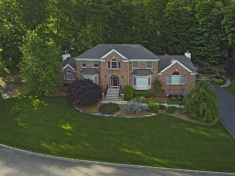 39 Crescent Dr, Ringwood Boro, NJ 07456