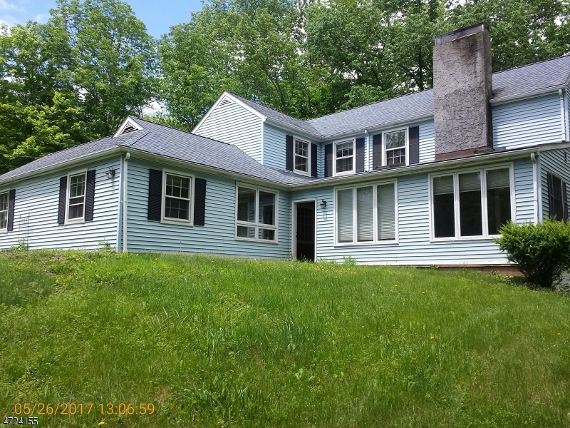 $406,000 - 4Br/2Ba -  for Sale in Bedminster Twp.