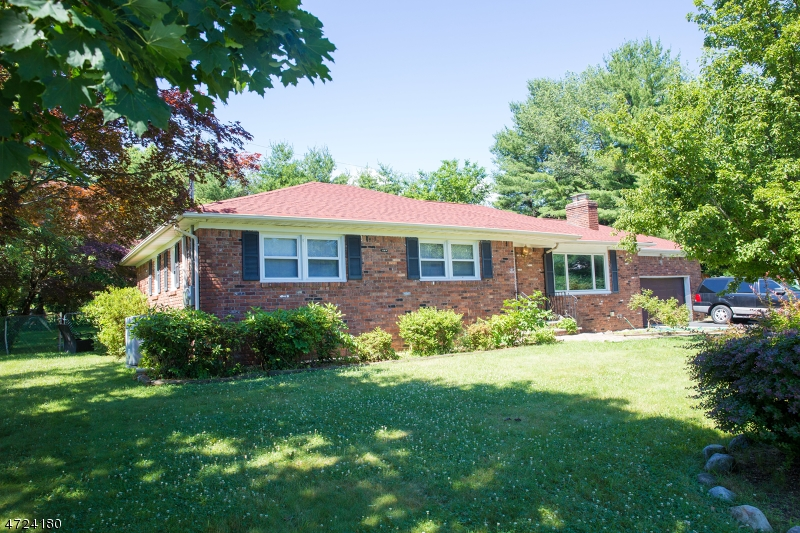 $549,000 - 3Br/3Ba -  for Sale in East Hanover Twp.
