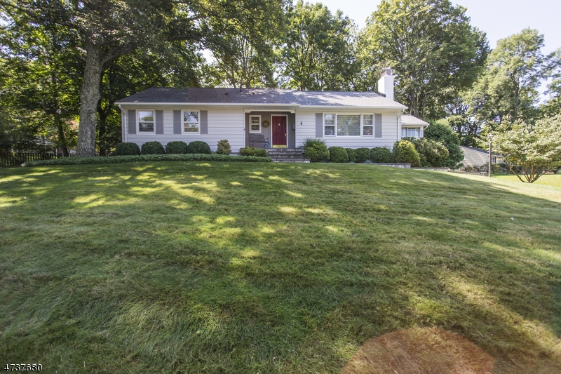 $369,000 - 3Br/3Ba -  for Sale in Sparta Twp.