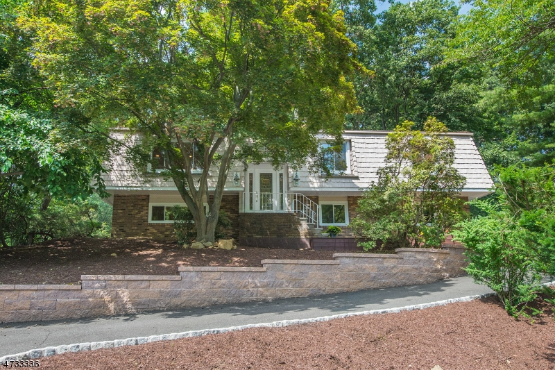 $535,000 - 4Br/3Ba -  for Sale in Randolph Twp.