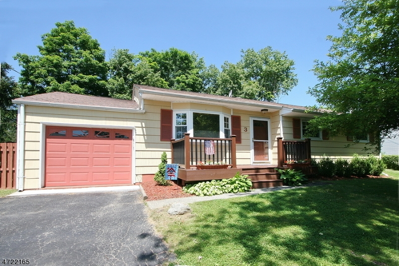 3 Brearly Crescent, Mount Olive Twp., NJ 07836