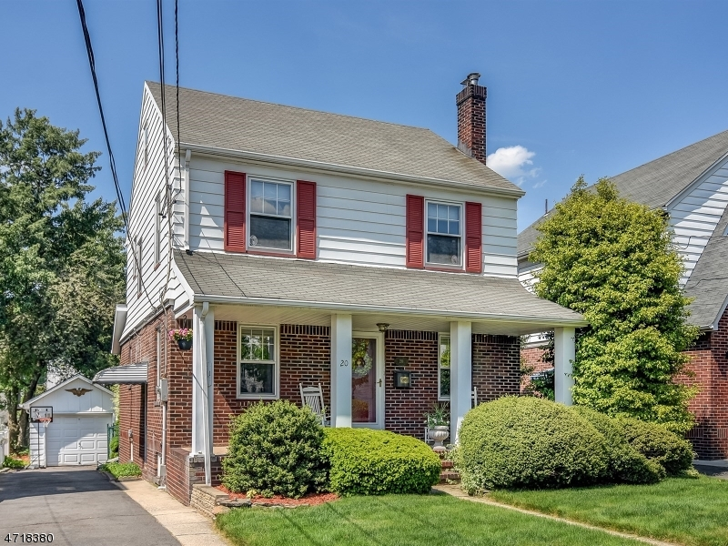 20 Collins Ave, Bloomfield Twp., NJ 07003