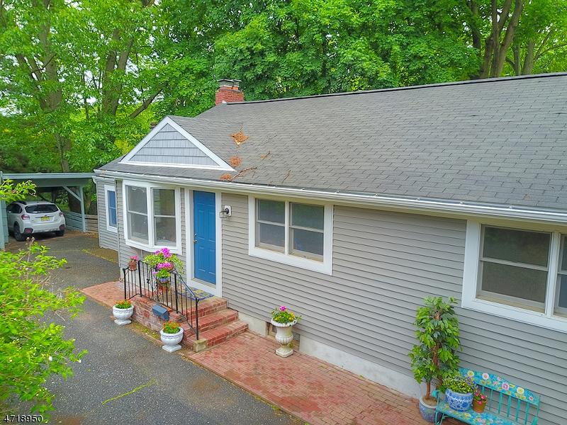 218 Doremus Ave, Ridgewood Village, NJ 07450