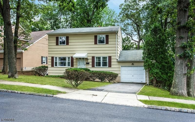 41 Mountain Rd, Verona Twp., NJ 07044