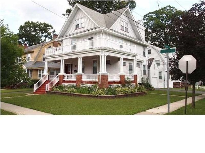 35 Morse Ave, Bloomfield Twp., NJ 07003