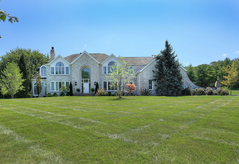 Amazing Shy Creek Estates Colonial features high-tech amenities and designer upgrades throughout.