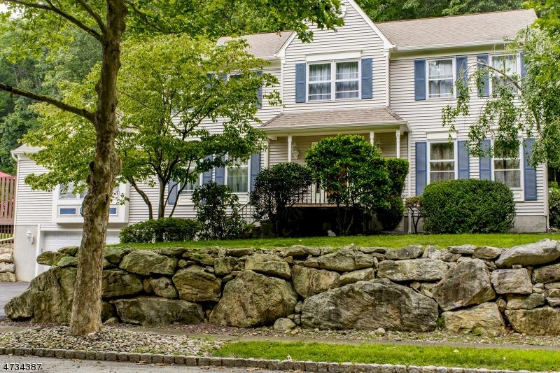 15 Brandywine Ct, Roxbury Twp., NJ 07876