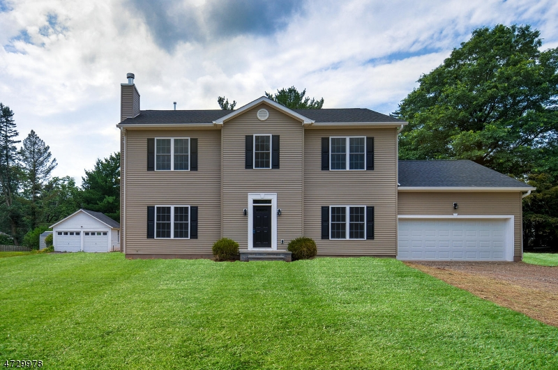 16 Valley View Ave, Peapack Gladstone Boro, NJ 07934