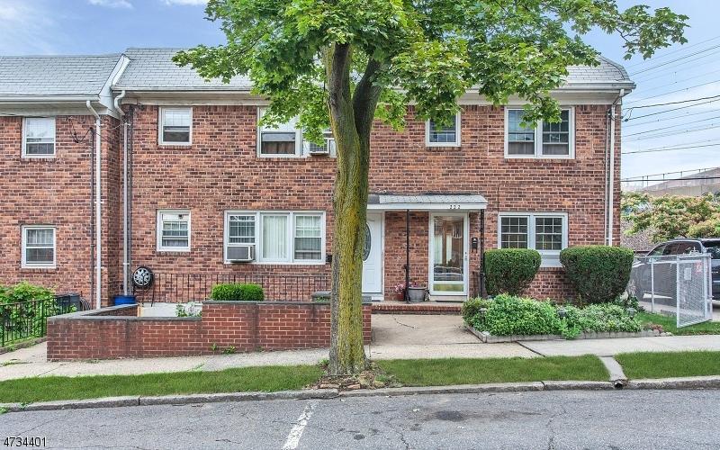 222 Sussex St, Harrison Town, NJ 07029