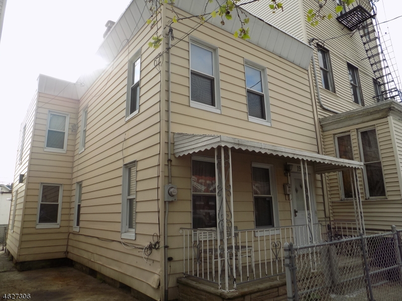 19 Storms Ave, Jersey City, NJ 07306