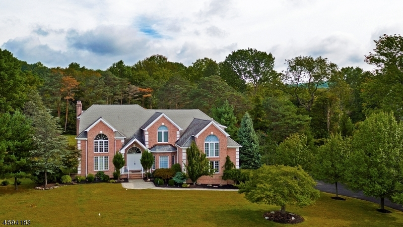 31 Beacon Hill Dr, Chester Twp., NJ 07930