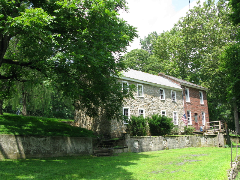 8 Ellis Rd, Holland Twp., NJ 08848