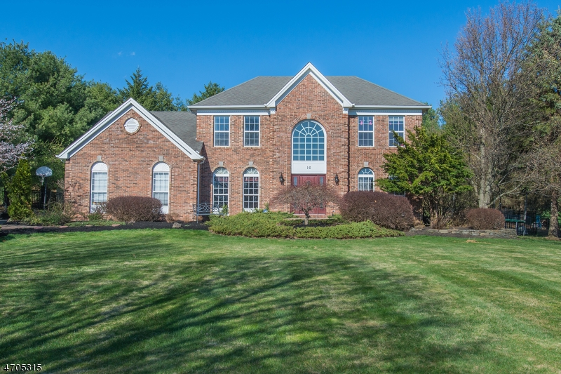 16 Winchester Ave, Mount Olive Twp., NJ 07828