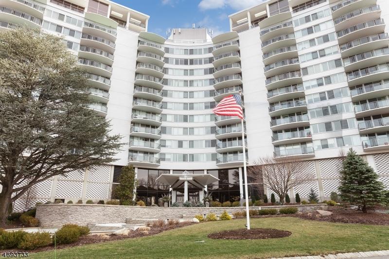 1 CLARIDGE DR 807, Verona Twp., NJ 07044