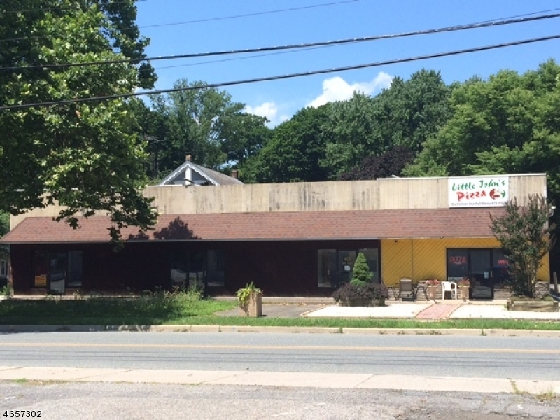 Free standing retail/office building located on corner property in downtown Belvidere.  Plenty of on site parking. Currently one unit is occupied and remainder of building can be 2 -3 additional units Building also has overhead side door and can possibly used by a contractor or warehouse location. Priced to sell.