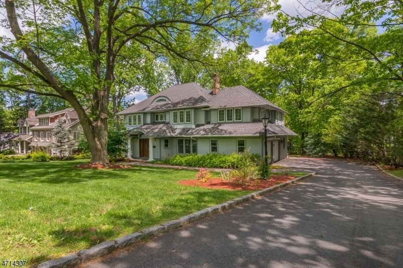 1070 Lawrence Ave, Westfield Town, NJ 07090