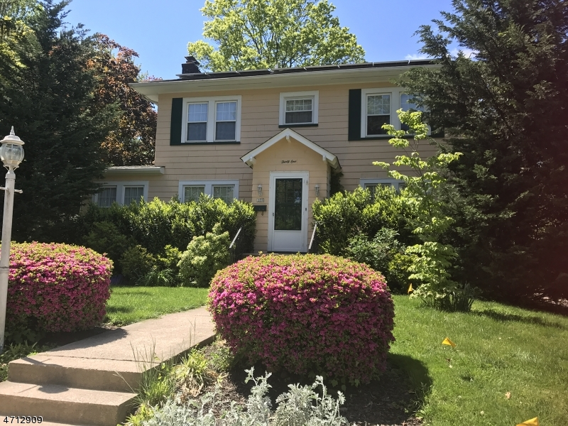 31-33 LANCASTER AVE, Maplewood Twp., NJ 07040