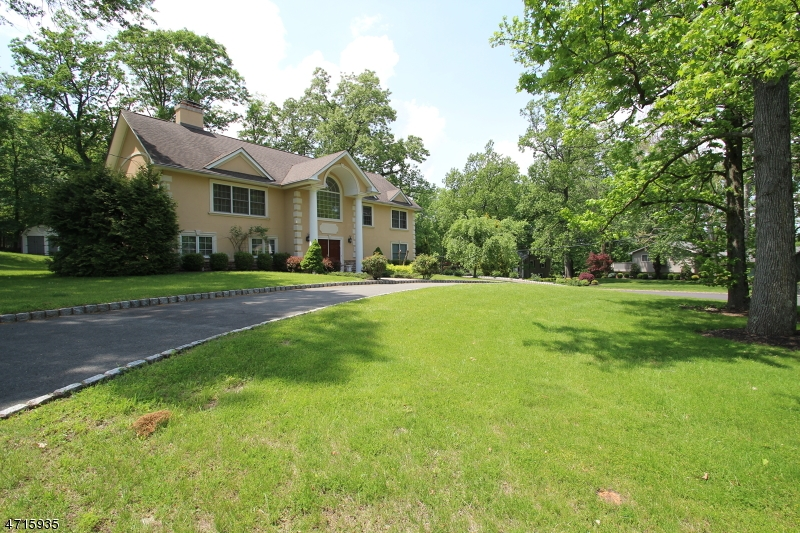 26 Green Hill Rd, Springfield Twp., NJ 07081