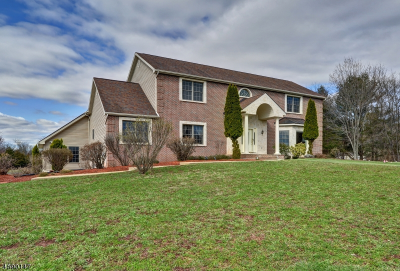 64 Spring Hill Rd, Montgomery Twp., NJ 08558