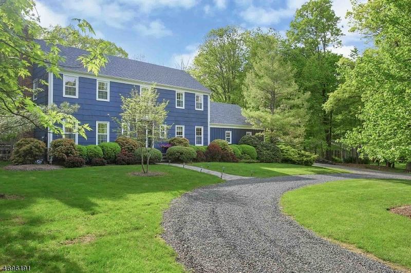 8 Fox Hill Dr, Warren Twp., NJ 07059