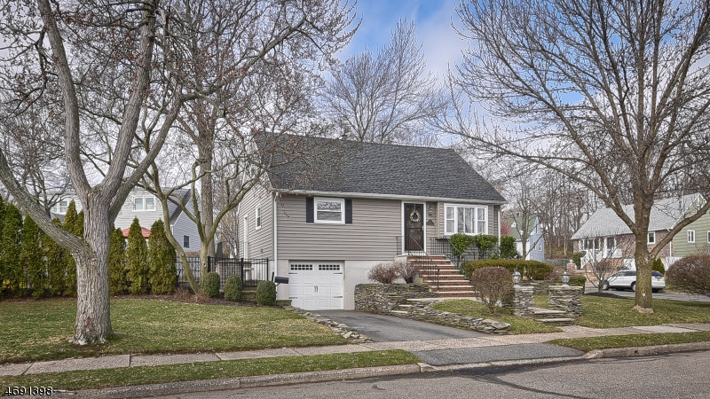 69 Merkel Dr, Bloomfield Twp., NJ 07003
