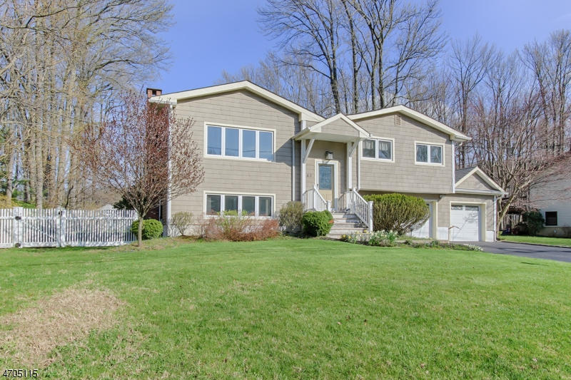 43 Carlos Dr, Fairfield Twp., NJ 07004