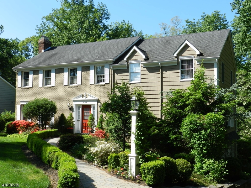 1039 LAWRENCE AVE, Westfield Town, NJ 07090