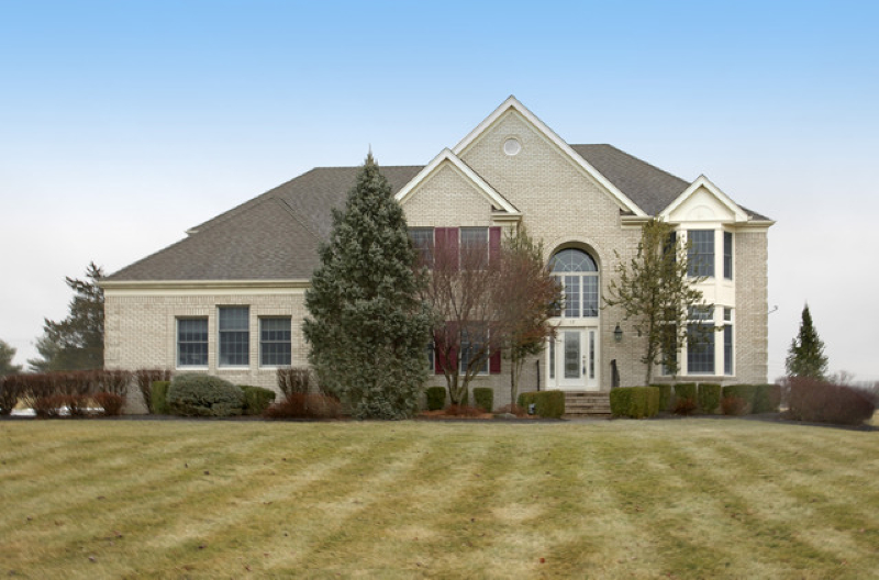 Stately brick front Colonial on tranquil cul de sac in Meadow Creek at Stanton bordering golf course. Minutes from I-78, Round Valley, Clinton or Flemington. Open floor plan w/hardwood floors  high ceilings, fireplace, recessed lights, large windows. 2-story foyer, elegant LR/DR combination separated by columns, chef?s center island Corian kitchen opens to fireside family room set under vaulted ceilings. Sliders from kitchen and family room open to entertainment deck overlooking landscaped views. Private master suite w/spa bath. Unfin. basement for future living space. Countryside serenity yet convenient for commuters.
