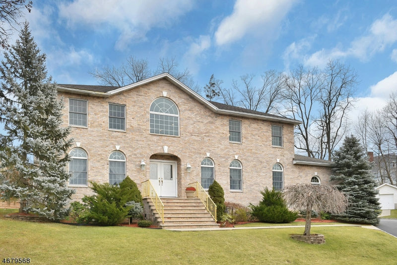 12 Marquerite Ct, Little Falls Twp., NJ 07424