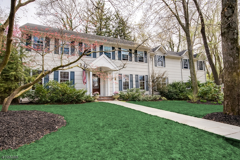 34 Normandy Dr, Westfield Town, NJ 07090