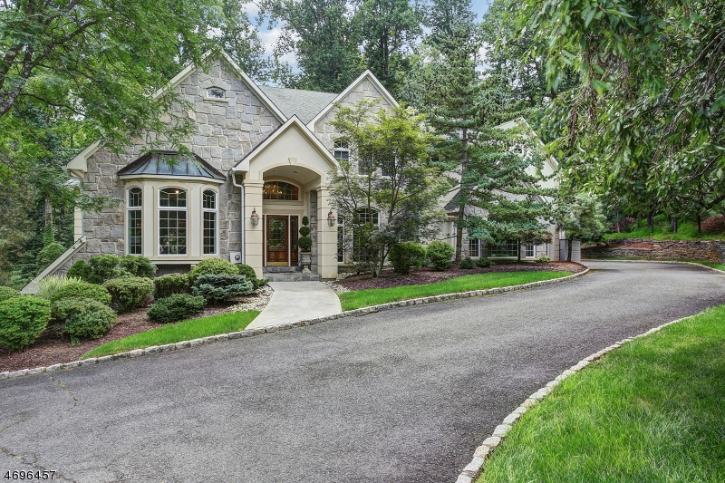 10 Sherwood Ct, Warren Twp., NJ 07059