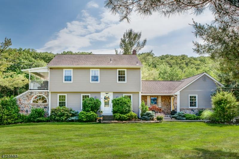 11 Farm Cottage Rd, Peapack Gladstone Boro, NJ 07934