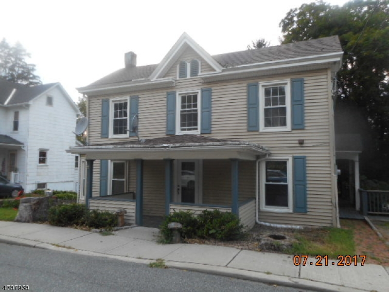 Colonial with 3 bedrooms and 2.5 Baths, living room, dining room, kitchen, family room with wood burning fireplace, hardwood floors on first floor.  Master BR with large closet and ensuite bath with  skylight.  Sold AS IS all inspections and certificates are the responsibility of the buyer.